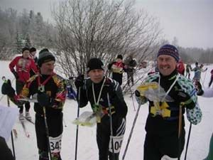 Peter Walling (centre) about to start a ski o race